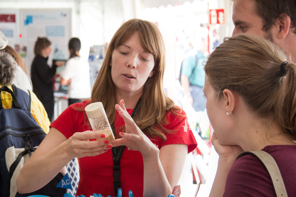 Visitors learned more about the DNA and how it is regulated, crafted some sequences on their own and dived deep into the fascinating world of our immune system. Find here the pictures of the event in Freiburg.